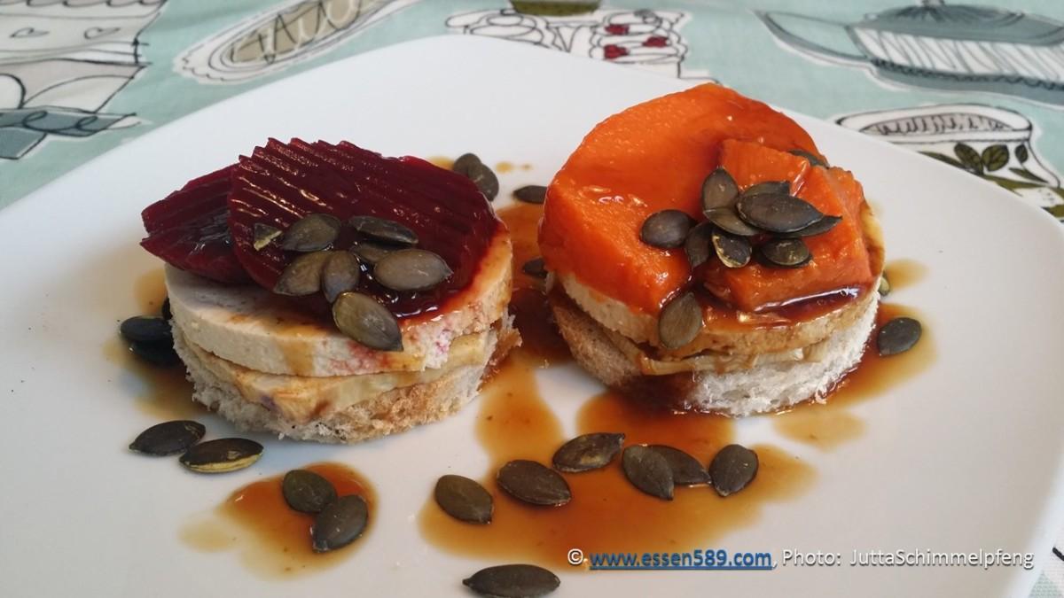 Feto-Brot-Türmchen mit Sellerie, Kürbis oder roter Beete